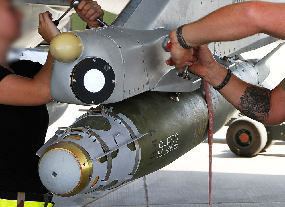 danish-f16-bombs